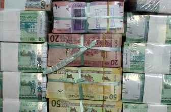 Sudanese have mixed feelings about the currency fluctuation