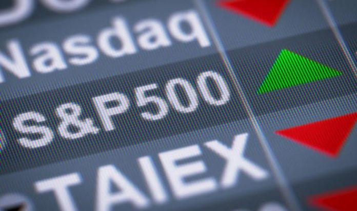 Nasdaq 100 and S&P futures are up afterwards Apple is Facebook have achieved their ratings.  Nasdaq 100 and S&P futures are up afterwards Apple is Facebook hit their ratings.
