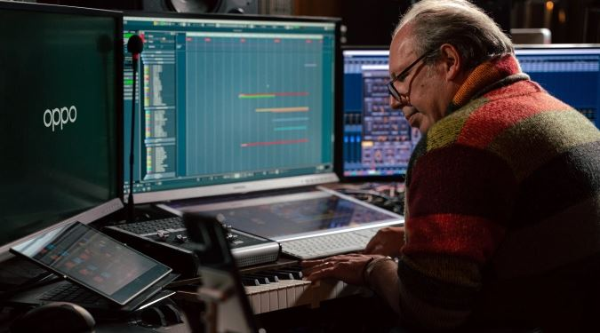 This Oppo Find X3 Pro ringtone by Hans Zimmer is fit for a Hollywood score