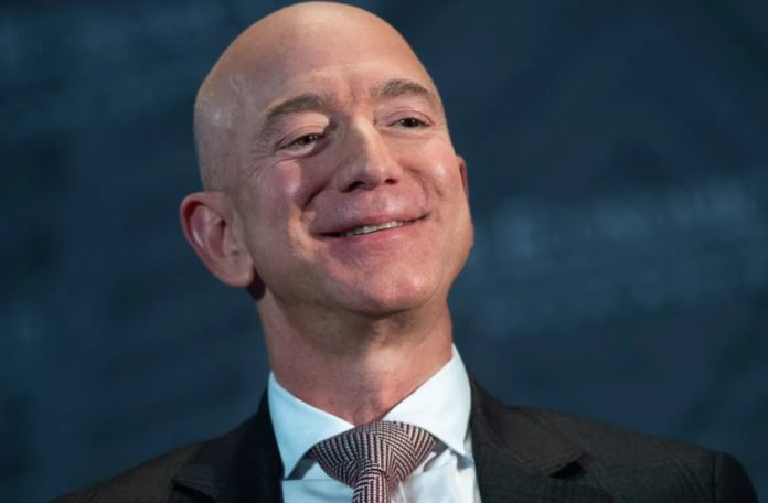 Amazon crushes earnings as Jeff Bezos prepares for exit