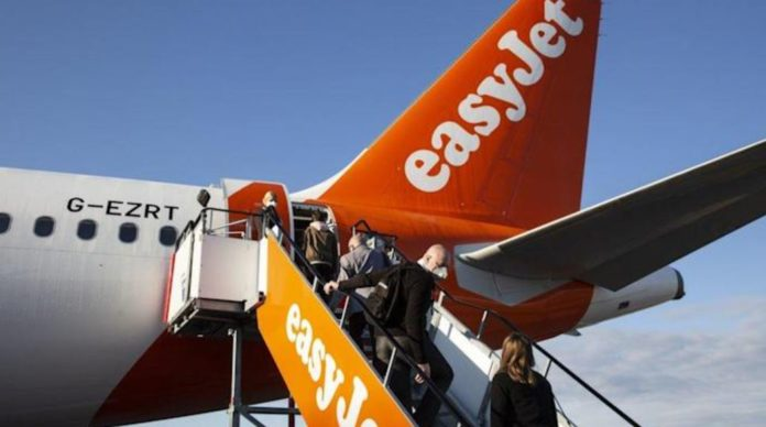 EasyJet and Virgin Atlantic call for the reopening of airspace